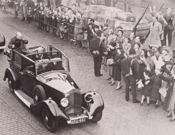 Churchill visits Leeds